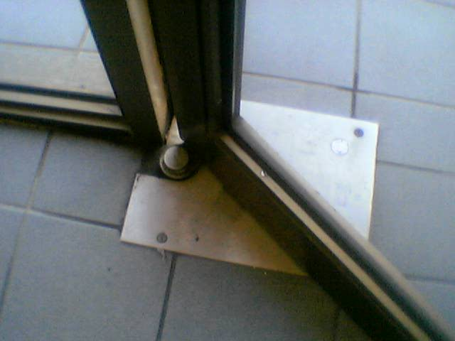 Pivot Door Repairs Amp Door Closer Maintenance Brisbane Aj